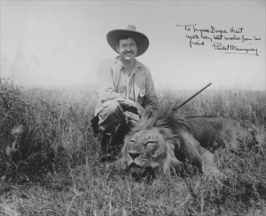 ernest-hemingway-lion-hunt-trophy-head-lr